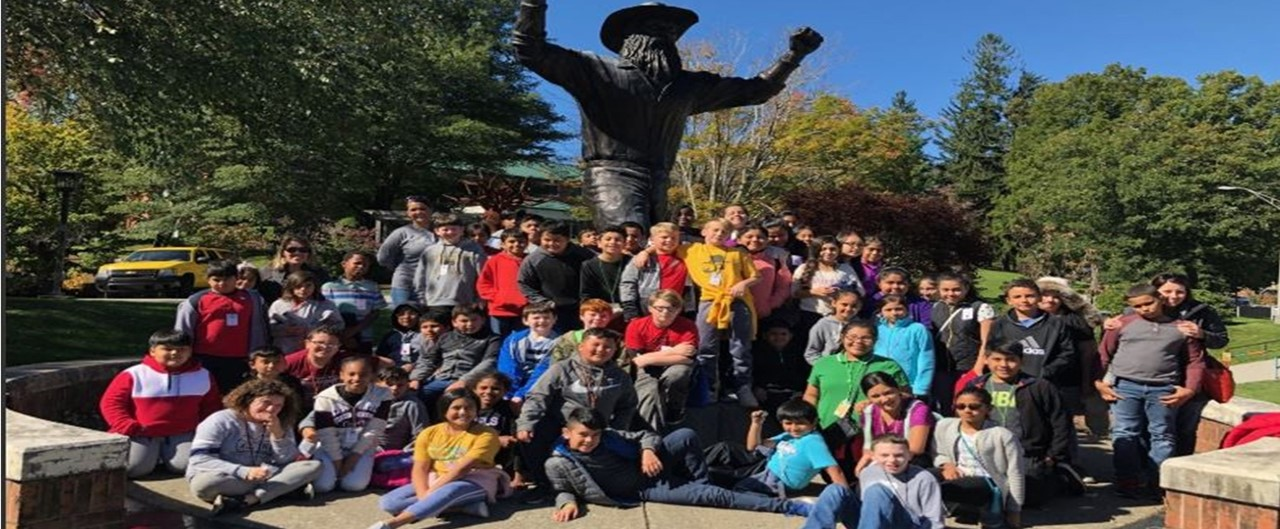 Grade 5 visits Appalachian State University Group Photo