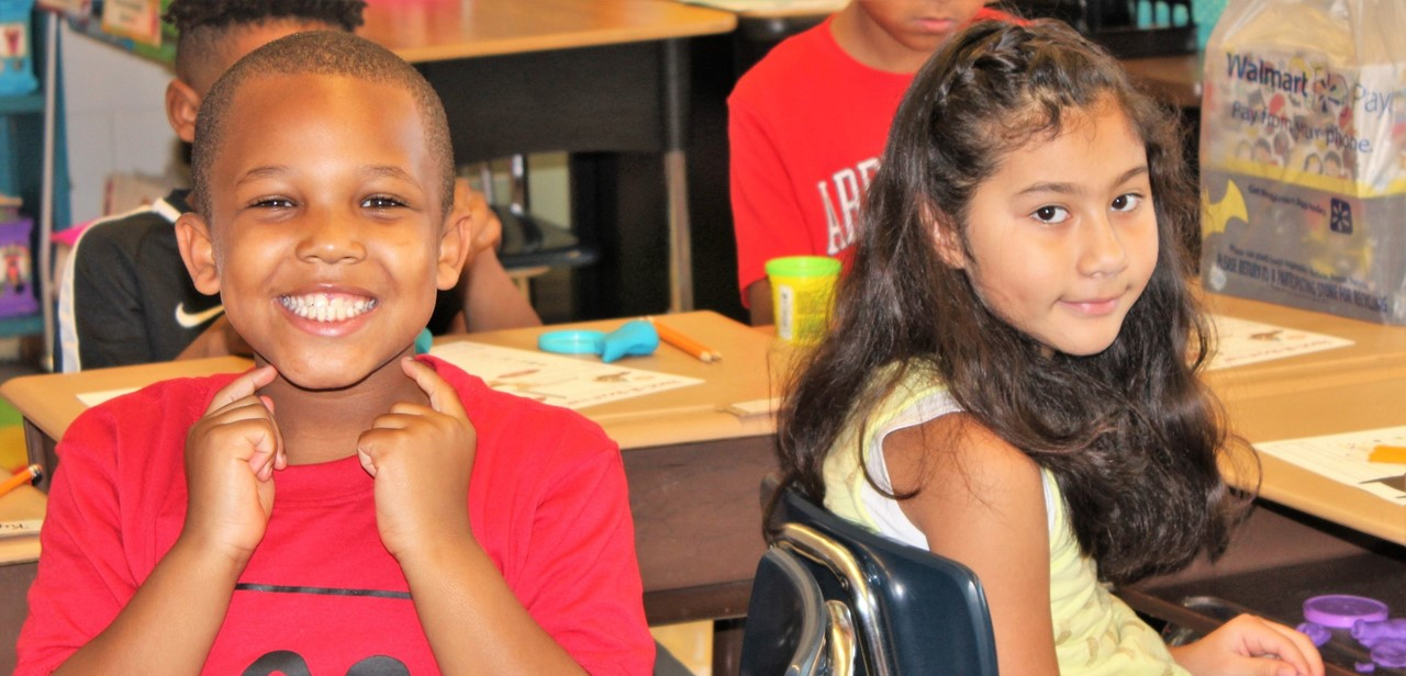 Students at Donna Lee Loflin on the first day of school.