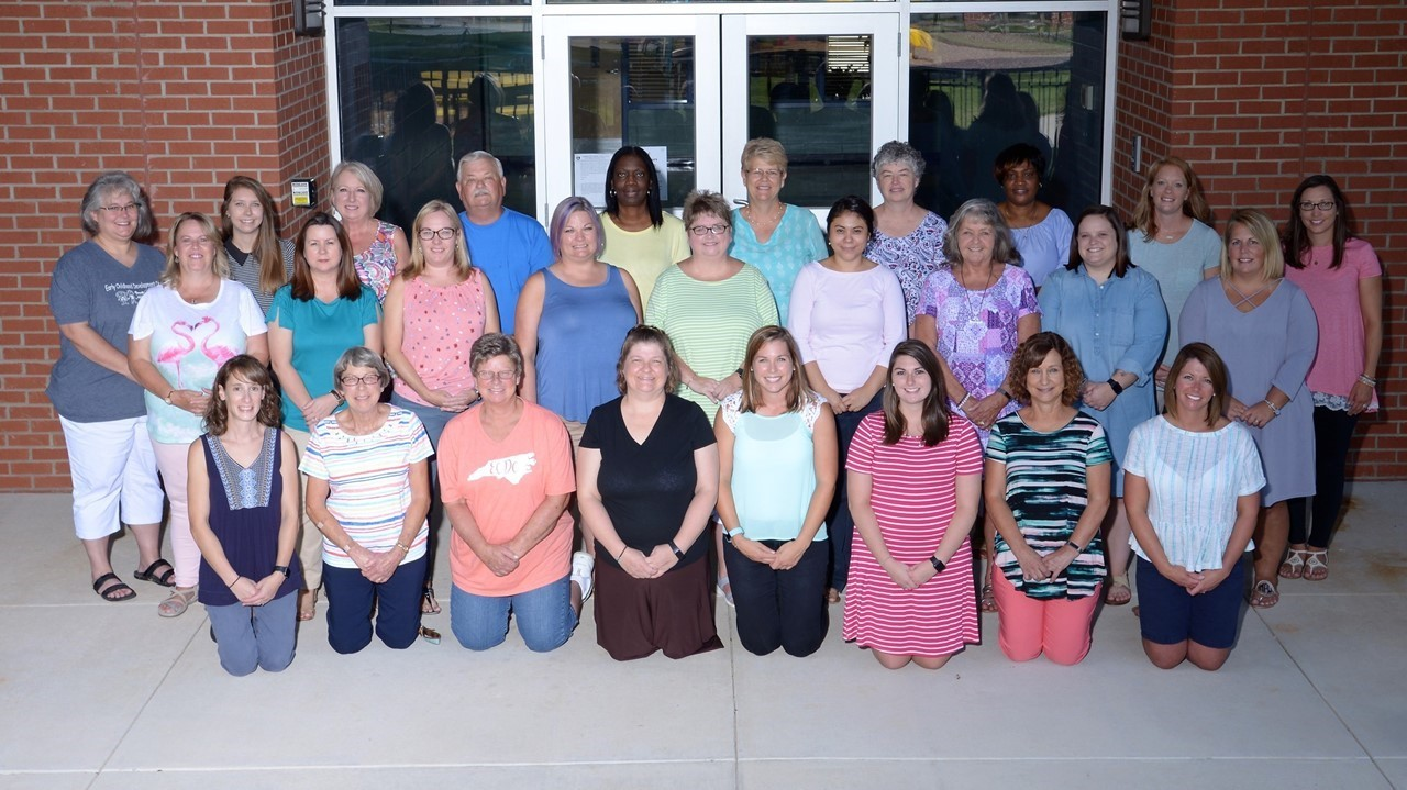 2018-19 Staff Picture