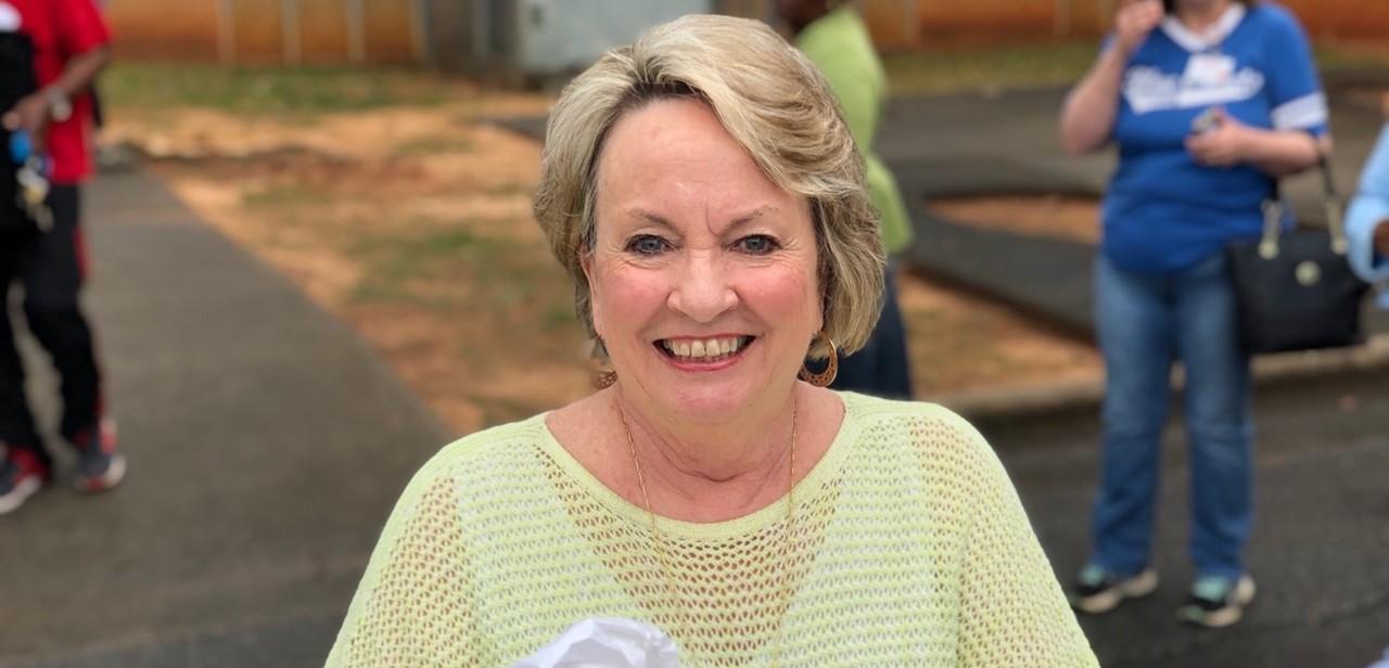 Board Member, Linda Cranford, helping to deliver mobile meals!